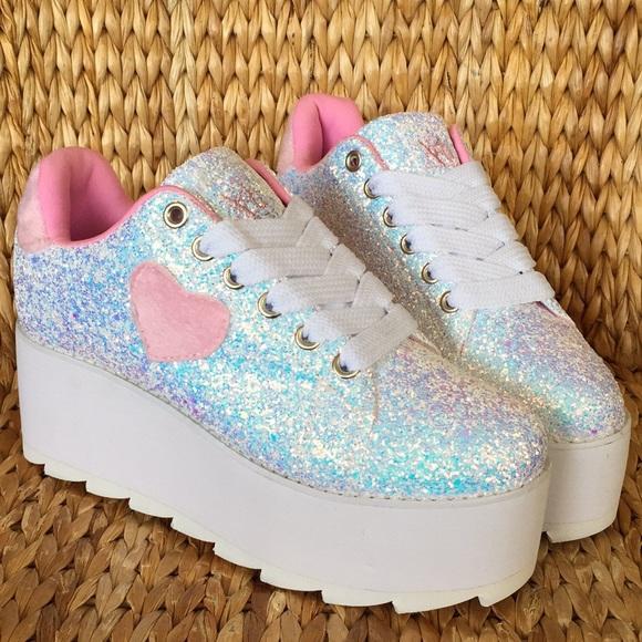7b48546c489 💕NIB💕YRU LaLa Glitter Platform Sneakers 9M